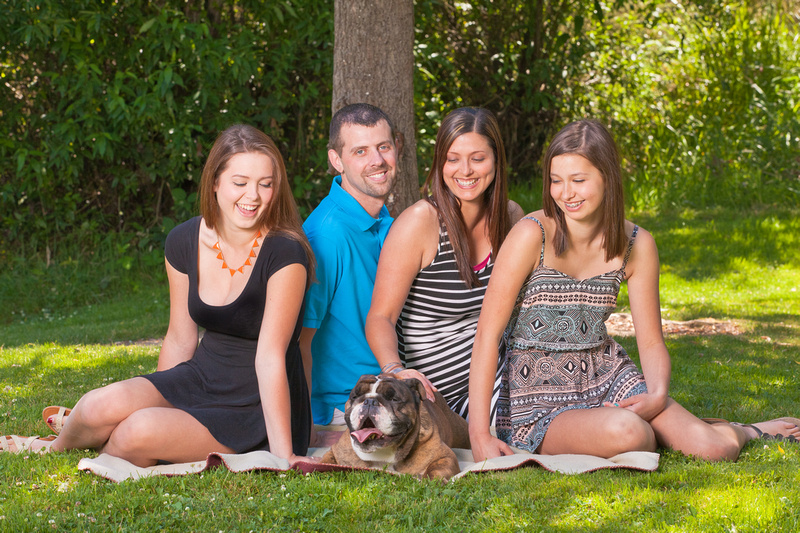 Timothy Dehnert Photography a Enumclaw, Sumner, Bonney Lake, Lake Tapps Senior, family and couples portraits company.